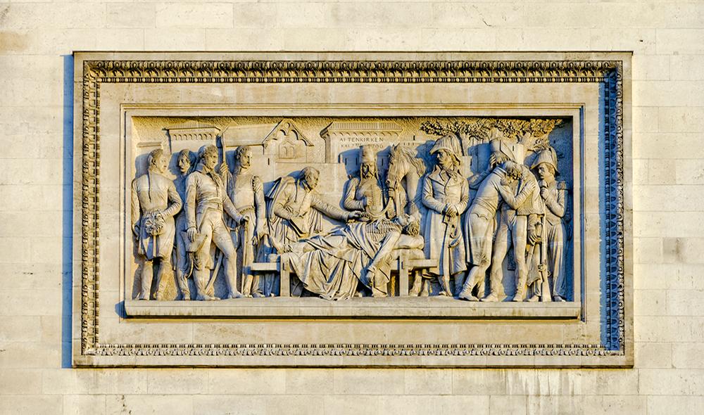Détail du bas relief nord-est : Les funérailles du général M