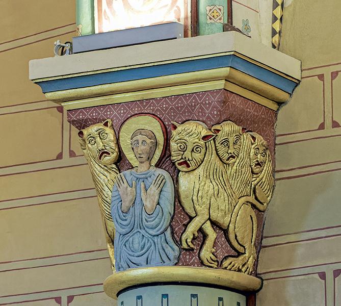 4ème arcade côté ouest extérieure, chapiteau, église Saint-