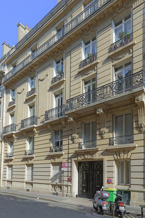 Rue de Bellechasse (45), balcon, frise floral, ferronnerie, Jacq