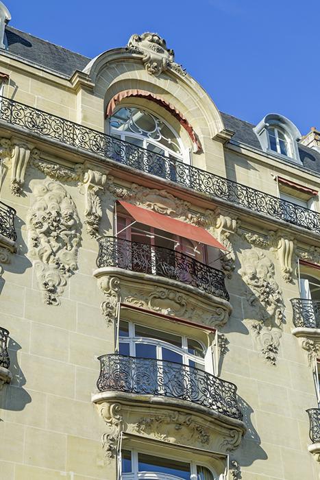 Rue Fabert (38 bis), parement, balcon, garde-corps, ferronnerie,