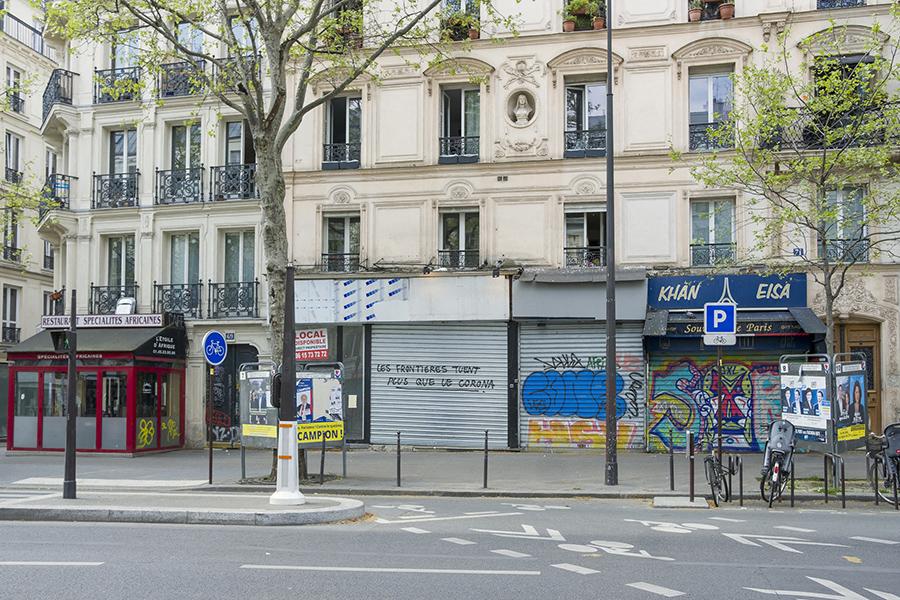 10 avril 2020, 14h41. Boulevard de Strasbourg. Magasins fermés,