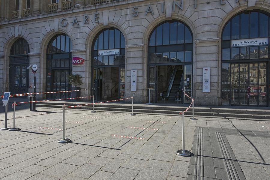 2 mai 2020, 17h7, Gare Saint -Lazare, Cour de Rome, canalisation