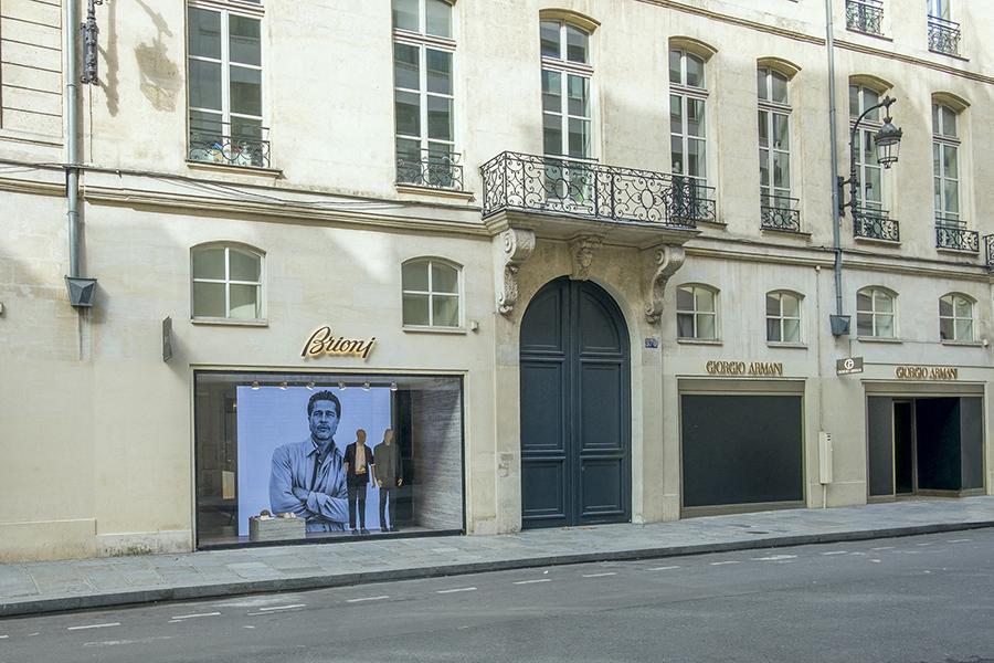 3 mai 2020, 16h33. Rue Saint-Honoré, bien que les magasins soie