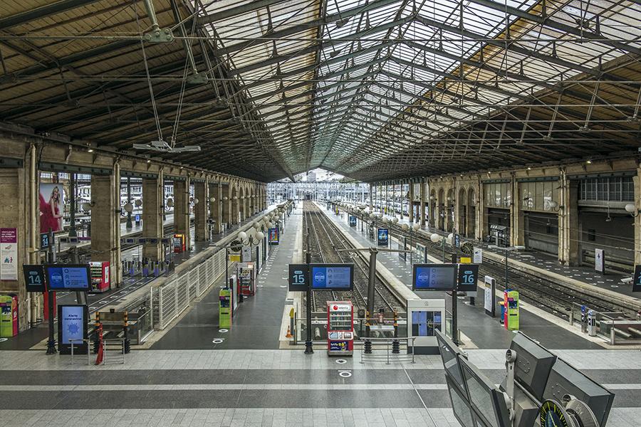 9 mai 2020, 16h08. Gare du Nord. Aucun train ne circule. Une des