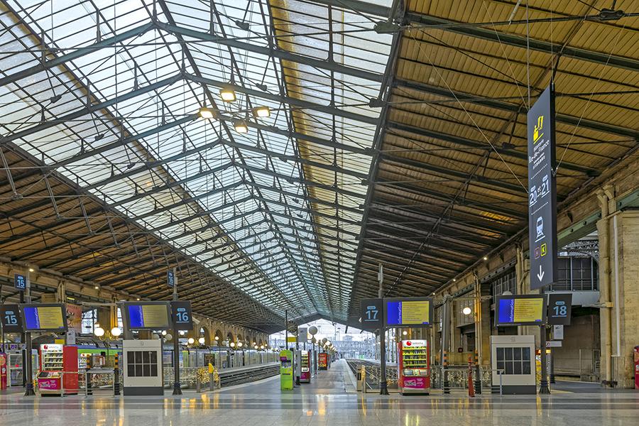 Gare du Nord, Paris 75010, Place du 11-Novembre-1918,  signalét